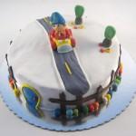 Nodi u autu na rodjendanskoj torti