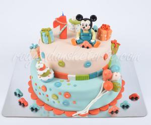 Torta za 1 rođendan sa figuricom bebe Mikija