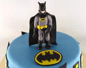 Figurica betmena detalj na torti