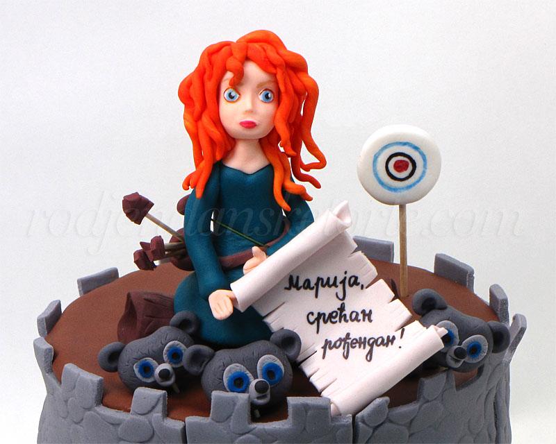 hrabra-merida-figurica-za-tortu