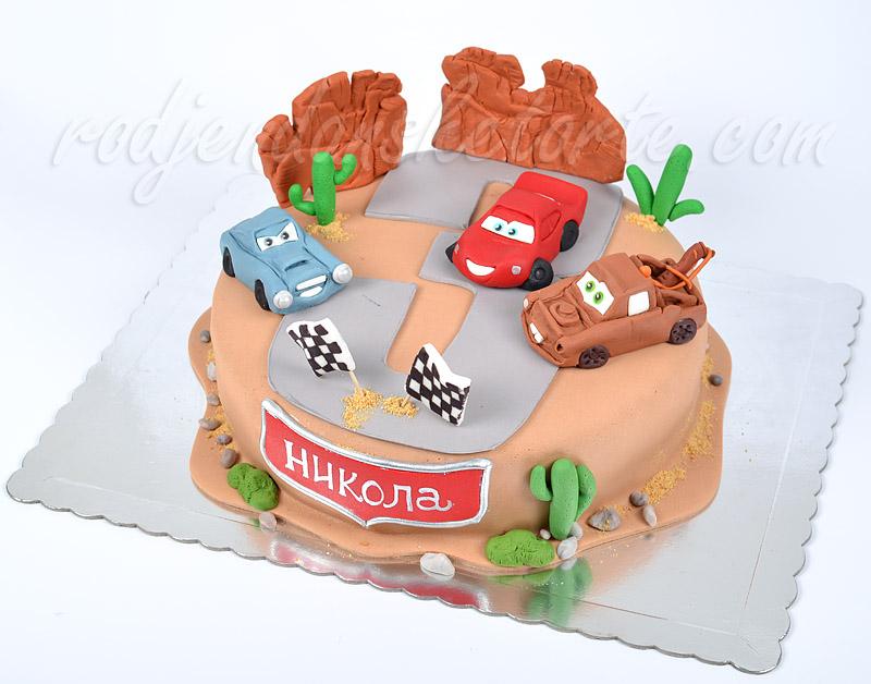 munja-mejter-i-finn-mcmissile-u-akciji-torta-cars