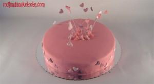 nezna torta sa srcima na zicama