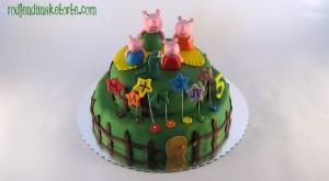pepa prase torta na sprat