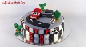 rodjendanska torta cars sa figuricom za petra