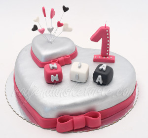 Srce torta za 1 rodjendan
