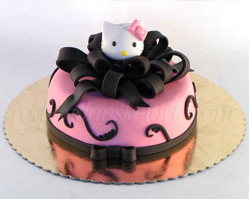 svecana-torta-sa-glavicom-hello-kitty