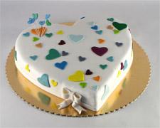 srce-torta-sa-srcima