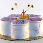 torta-cvet-sa-pcelicama