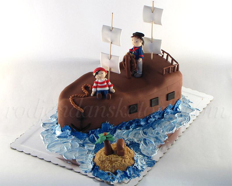 torta-gusarski-brod