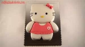 torta hello kitty sa naboranom haljinicom