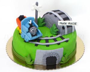 Jedna lokomotiva svakoga dana prelazi brda i livade, prolazi kroz tunele, a to deca vole :)