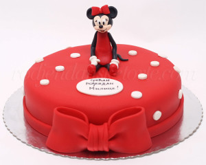 Torta Mini Maus sa crvenom mašnom