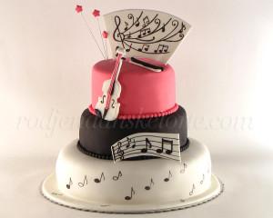 Hteli smo da torta odiše nežnošću zvuka violine