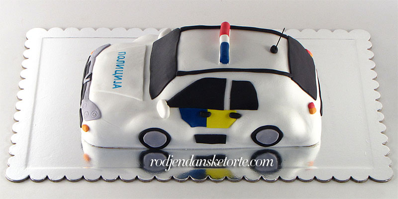 torta-policijska-kola