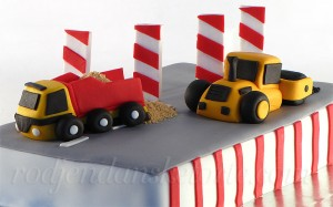 torta-radovi-na-putu-kamion-i-bager