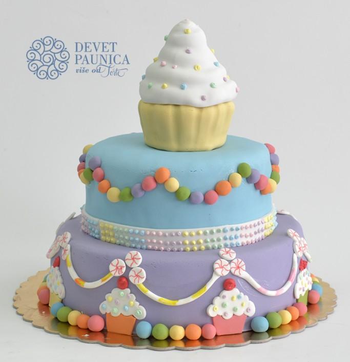 Torta sa cup cake-om