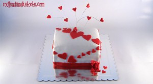 torta sa srcima za baku