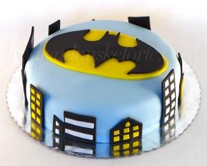 torta-sa-znakom-betmena