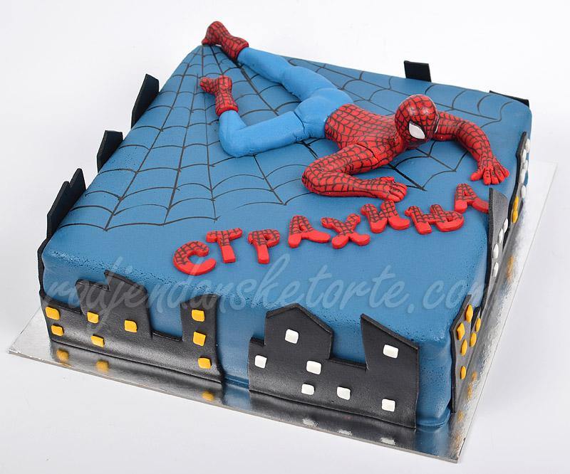 torta-spajdermen-lezi-za-strahinju