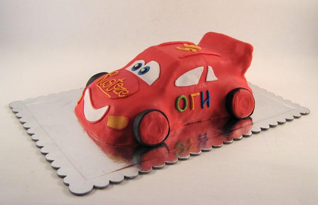 torta u obliku auta