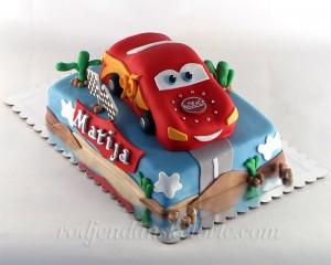 torta-u-obliku-munje-na-sprat
