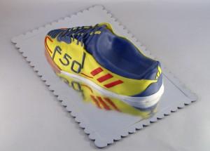 torta u obliku patike adidas