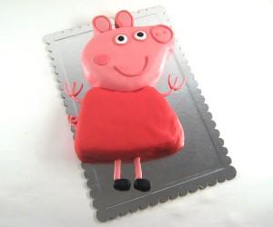 torta u obliku pepa praseta pokrivena fondanom