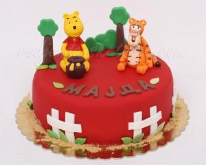 Vini Pu i tigar na crvenoj torti