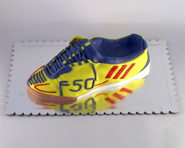 torta-za-fudbalere-adidas patika