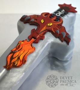 Detalji presuđuju... drška u stilu zmaja koji bljuje vatru